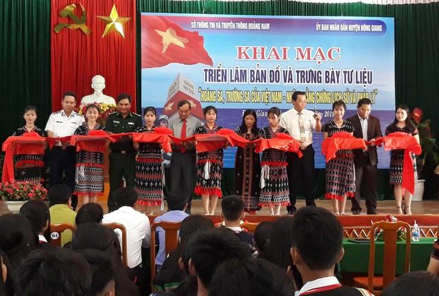 """Triển lãm bản đồ, trưng bày tư liệu """"Hoàng Sa, Trường Sa của Việt Nam-Những bằng chứng lịch sử và pháp lý"""" - Ảnh 1."""