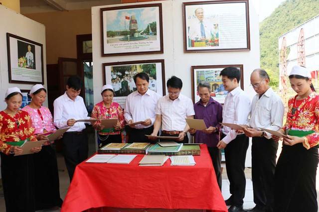 Triển lãm Hoàng Sa, Trường Sa của Việt Nam - Những bằng chứng lịch sử và pháp lý tại Hòa Bình - Ảnh 1.