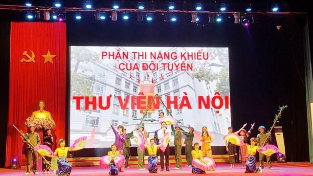 Khai mạc Liên hoan cán bộ thư viện tuyên truyền giới thiệu sách - Chào mừng Kỷ niệm 65 năm chiến thắng Điện Biên Phủ - Ảnh 4.