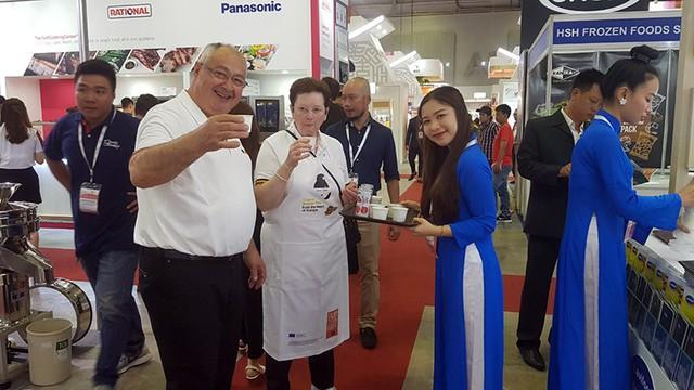Thưởng thức thực đơn đặc biệt của đầu bếp nổi tiếng  tại triển lãm quốc tế Food & Hotel Vietnam 2019 - Ảnh 1.