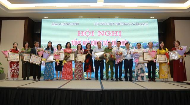 Việc được đăng cai năm du lịch quốc gia 2018 đã giúp Quảng Ninh đạt và vượt 11 chỉ tiêu kinh tế - Ảnh 4.