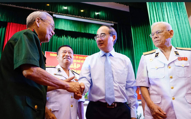 Phó giám đốc công an TP.HCM được giới thiệu làm Phó chủ tịch TP - Ảnh 2.