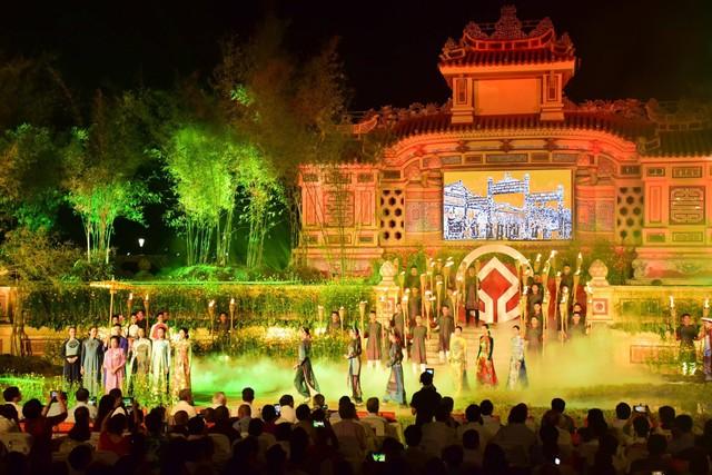 Chính thức khai hội Festival nghề truyền thống Huế năm 2019 - Ảnh 2.