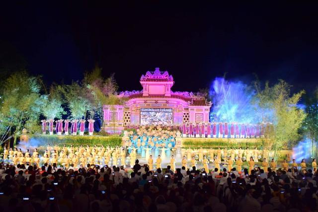 Chính thức khai hội Festival nghề truyền thống Huế năm 2019 - Ảnh 1.