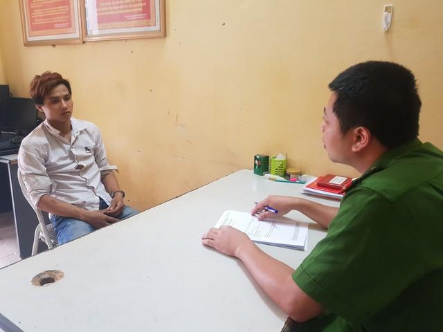 Lào Cai: Một bảo vệ tổ dân phố bị con nghiện đâm liên tiếp - Ảnh 2.
