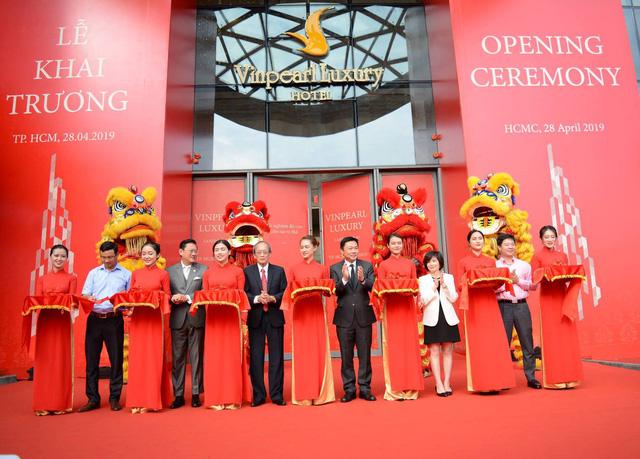 Khai trương Khách sạn Vinpearl Luxury và Đài quan sát Landmark 81 SkyView cao nhất Đông Nam Á - Ảnh 1.