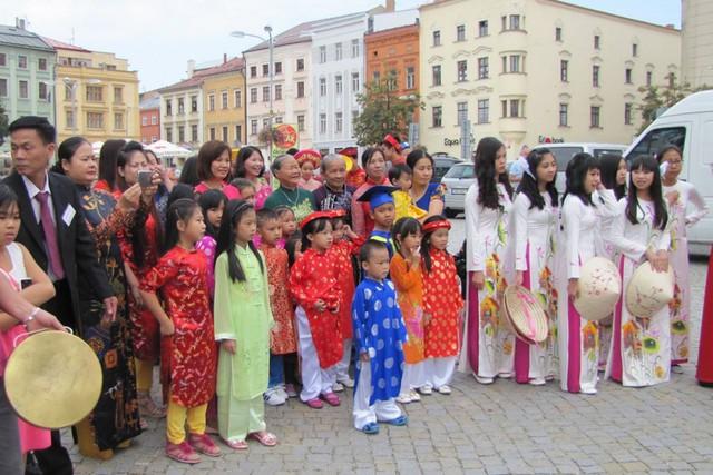 """Ấn tượng """"Tháng Văn hóa Việt Nam"""" tại miền Nam Cộng hòa Séc - Ảnh 1."""