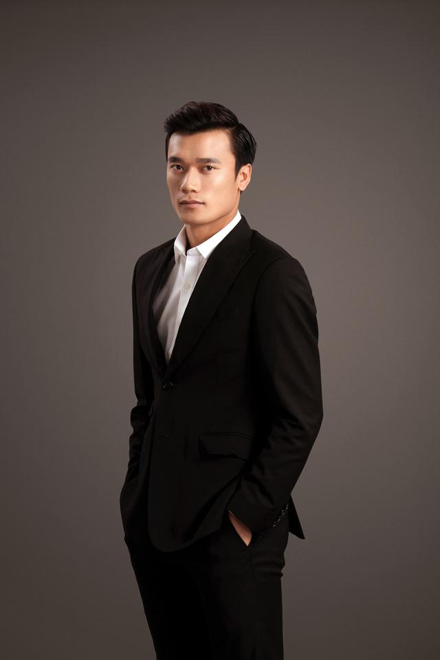 Quang Hải, Bùi Tiến Dũng và Đoàn Văn Hậu khoe vẻ đẹp nam tính - Ảnh 10.