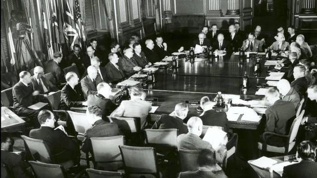 NATO 70 năm (Bài 2): Lịch sử giữa tín hiệu mới từ Trung, Nga - Ảnh 1.