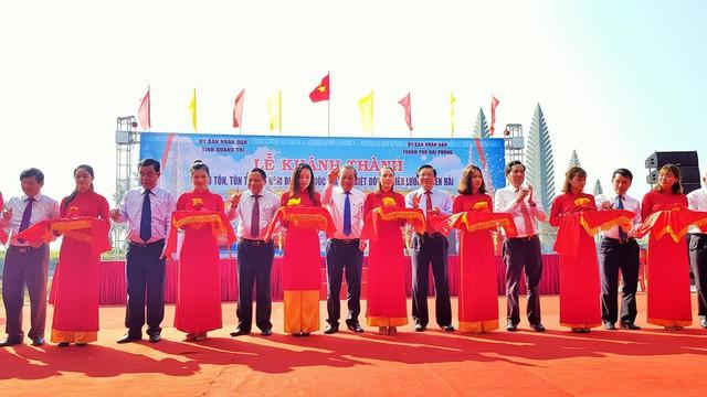 Lễ thượng cờ Thống nhất non sông sáng 30/4 tại Quảng Trị - Ảnh 2.