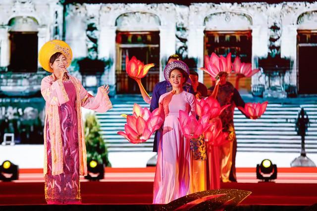 Khai mạc Festival Văn hóa truyền thống Việt và Giao lưu văn hóa quốc tế 2019 - Ảnh 1.