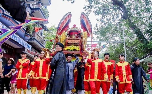 Khôi phục trang phục tế lễ truyền thống tại lễ hội chùa Thầy 2019 - Ảnh 1.