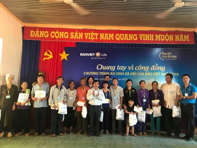Bảo Việt Nhân thọ khám bệnh miễn phí và tặng quà cho 500 người nghèo, gia đình có công với Cách mạng tại tỉnh Bình Phước - Ảnh 1.