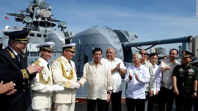 Cận cảnh loạt tàu chiến Nga tại cảng Philippines - Ảnh 4.