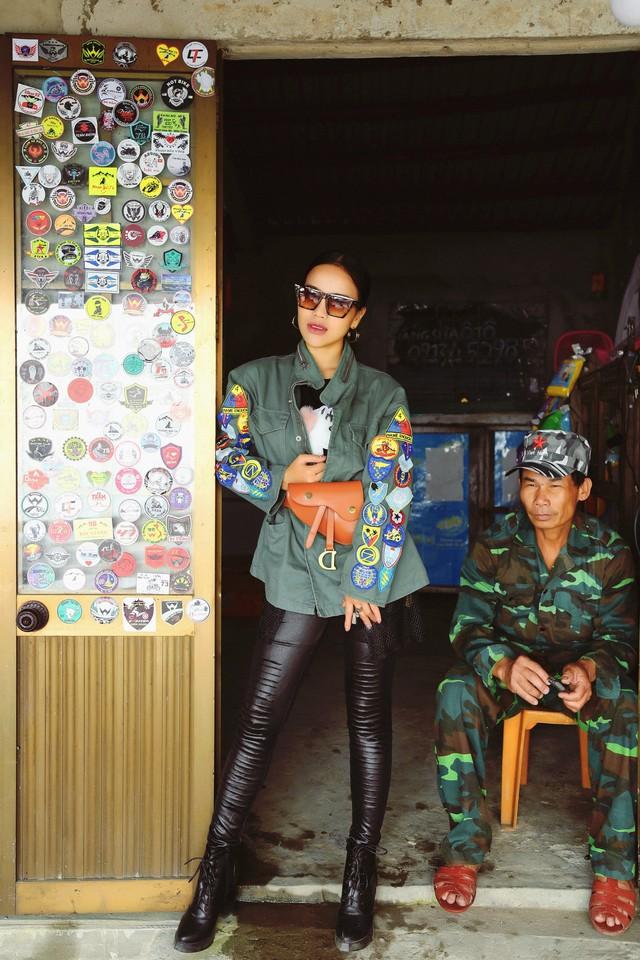 """Thoát khỏi hình ảnh cô gái dân tộc, quán quân Sao mai 2017 """"lột xác"""" trở nên cá tính và quyến rũ - Ảnh 8."""