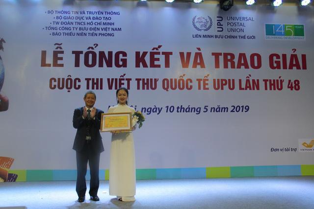 Nữ sinh Hải Dương giành giải nhất cuộc thi viết thư UPU lần thứ 48 năm 2019 - Ảnh 1.