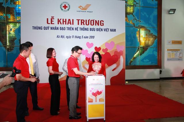 Khai trương Thùng quỹ Nhân đạo trên hệ thống Bưu điện Việt Nam - Ảnh 2.
