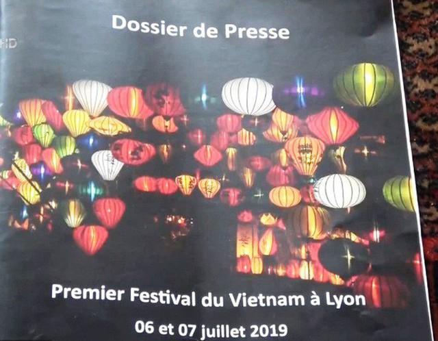 Họp báo Liên hoan Văn hóa Việt Nam lần thứ nhất tại Lyon, Pháp - Ảnh 1.
