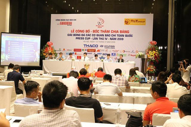 Lễ bốc thăm chia bảng Press Cup 2019 khu vực Hà Nội: Hình ảnh ấn tượng của giải đấu chuyên nghiệp - Ảnh 1.