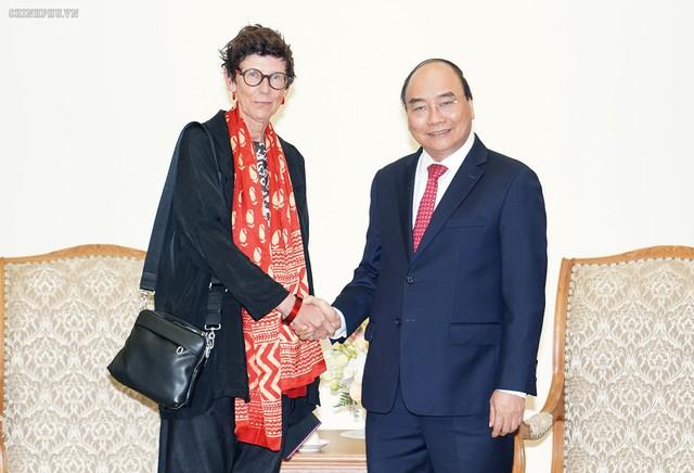 Thủ tướng Nguyễn Xuân Phúc tiếp các vị khách quốc tế - Ảnh 3.