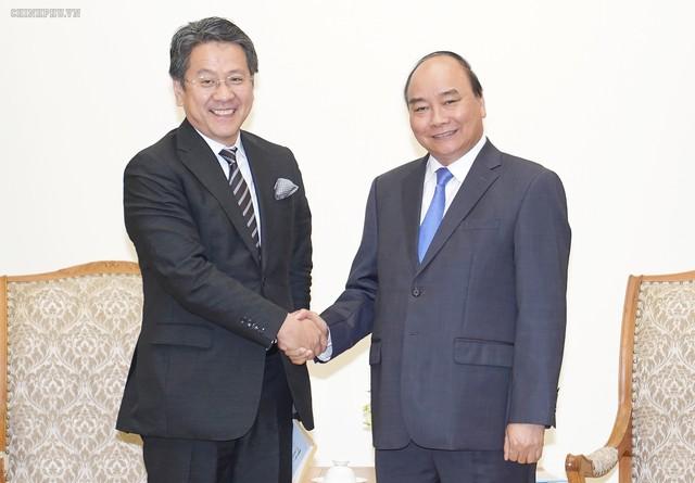 Thủ tướng Nguyễn Xuân Phúc tiếp các vị khách quốc tế - Ảnh 1.