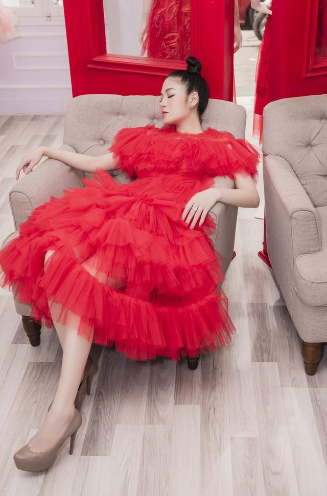 Hoa hậu Tuyết Nga tham dự LHP Cannes bằng 50kg trang phục  - Ảnh 6.