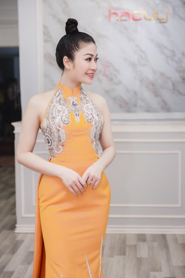 Hoa hậu Tuyết Nga tham dự LHP Cannes bằng 50kg trang phục  - Ảnh 7.