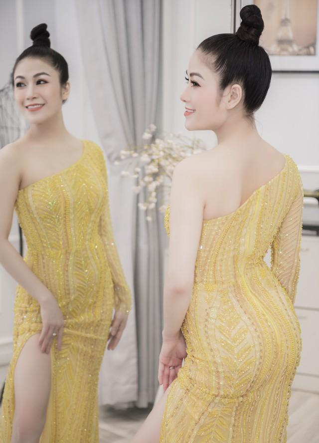 Hoa hậu Tuyết Nga tham dự LHP Cannes bằng 50kg trang phục  - Ảnh 9.