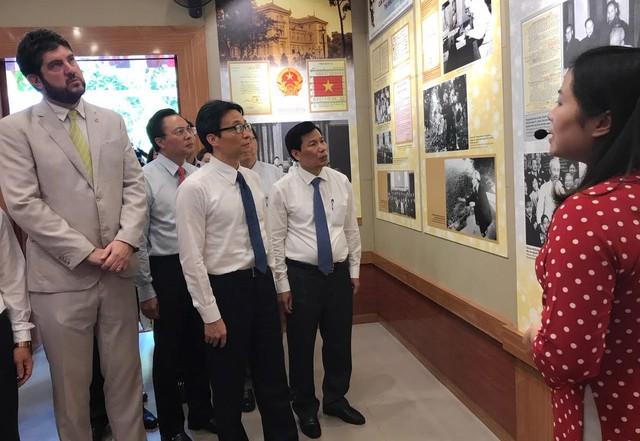 Khai trương phòng trưng bày bổ sung Một số hoạt động của Chủ tịch Hồ Chí Minh tại Phủ Chủ tịch - Ảnh 2.