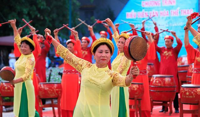 Đồng diễn văn hóa, thể thao nhân kỷ niệm 129 năm Ngày sinh Chủ tịch Hồ Chí Minh - Ảnh 3.