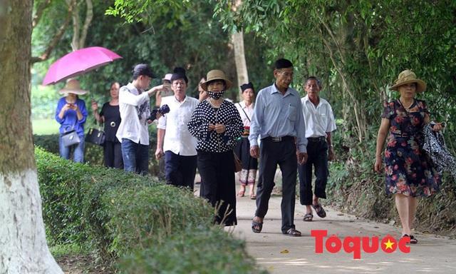 Tháng 5, về thăm làng Sen quê Bác... - Ảnh 1.