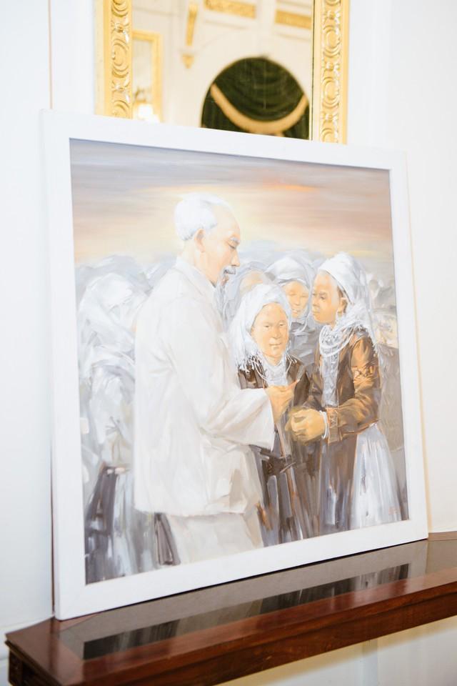 Dâng Bác những bức tranh quý tại triển lãm Bác để tình thương cho chúng con - Ảnh 2.
