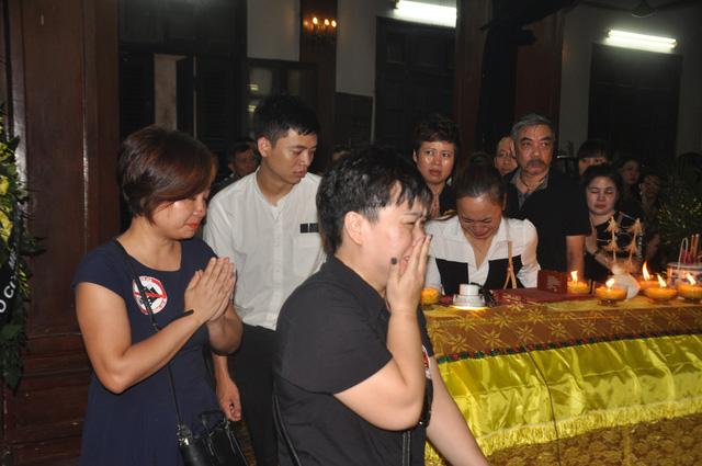 Đám tang đẫm nước mắt của nữ nhân viên nhà hát kịch bị xe Mercedes đâm tử vong ở hầm Kim Liên - Ảnh 13.