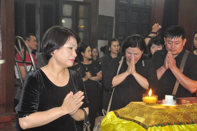 Đám tang đẫm nước mắt của nữ nhân viên nhà hát kịch bị xe Mercedes đâm tử vong ở hầm Kim Liên - Ảnh 9.