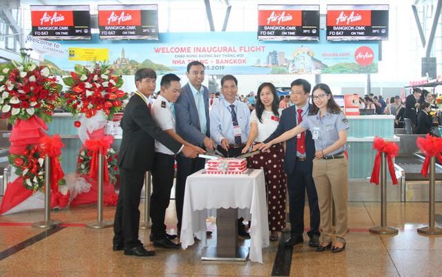 Air Asia mở đường bay thẳng Cam Ranh- Bangko - Ảnh 1.