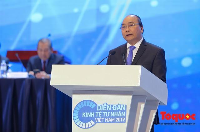 Thủ tướng Nguyễn Xuân Phúc khai mạc Diễn đàn Kinh tế tư nhân 2019 - Ảnh 4.