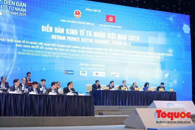 Thủ tướng Nguyễn Xuân Phúc khai mạc Diễn đàn Kinh tế tư nhân 2019 - Ảnh 3.