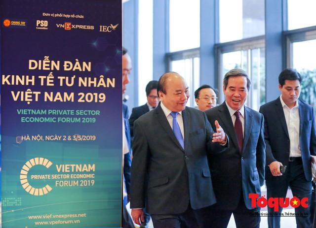 Thủ tướng Nguyễn Xuân Phúc khai mạc Diễn đàn Kinh tế tư nhân 2019 - Ảnh 12.