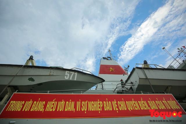 Ký sự không xa đâu Trường Sa - kỳ 1: Cùng tàu HQ - 571 vượt sóng đến Trường Sa - Ảnh 6.
