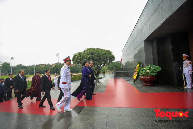 Lãnh đạo Đảng, Nhà nước vào Lăng viếng Chủ tịch Hồ Chí Minh trước kỳ họp Quốc hội - Ảnh 6.