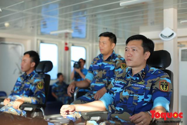 Ký sự không xa đâu Trường Sa - kỳ 1: Cùng tàu HQ - 571 vượt sóng đến Trường Sa - Ảnh 12.