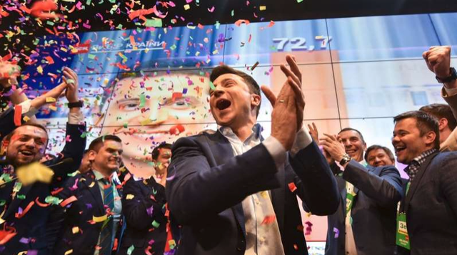 Ukraine đón con đường mới: Giải câu hỏi khó về miền Đông - Ảnh 1.