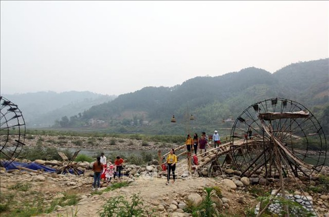 Phát triển ngành công nghiệp không khói ở Tam Đường, Lai Châu - Ảnh 2.
