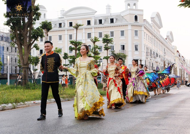 Hạ Long chơi lớn với Sun Dance Festival, du khách có trầm trồ? - Ảnh 1.
