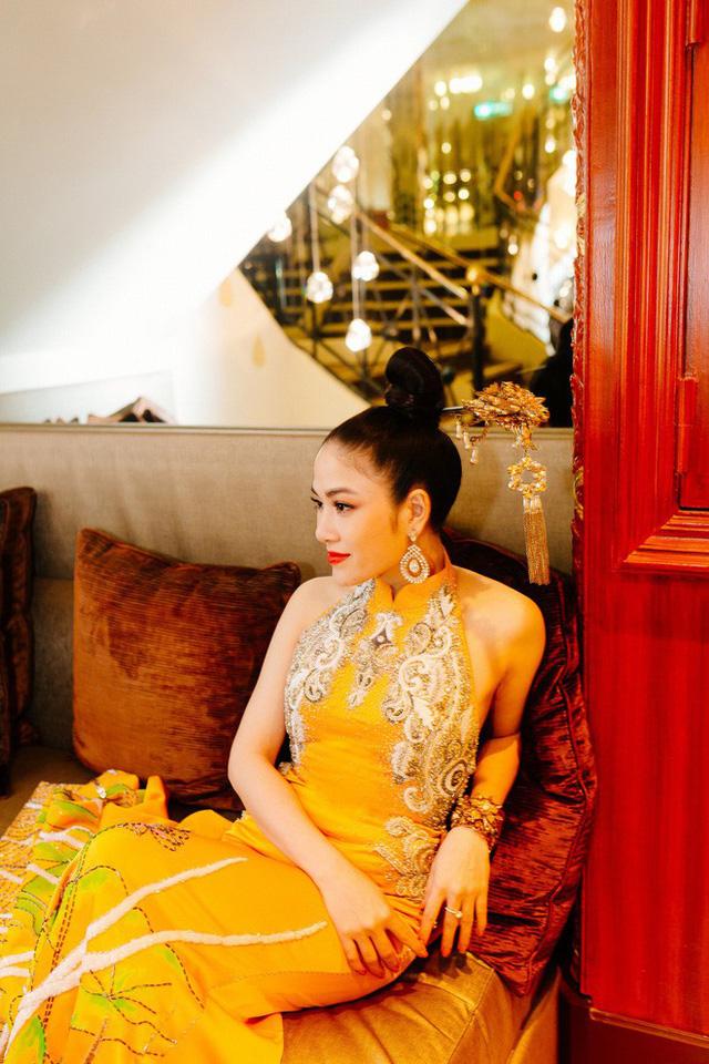 Hoa hậu Tuyết Nga tại Cannes: Tự hào khi khoác lên mình bộ trang phục mà nhìn vào có thể biết tôi là người Việt Nam - Ảnh 10.