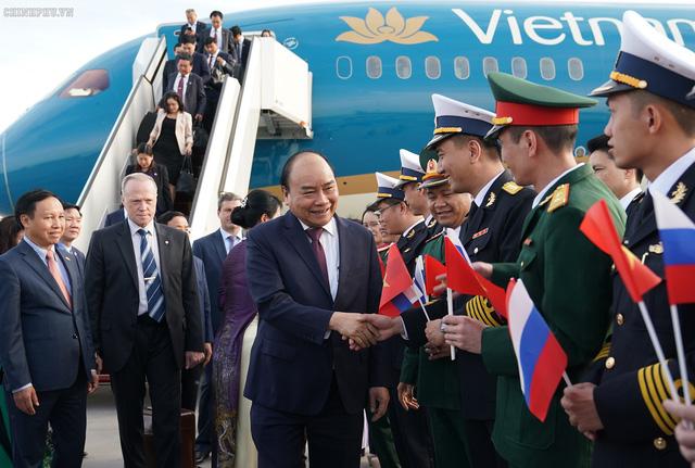 Thủ tướng đến Saint Petersburg, bắt đầu thăm chính thức LB Nga - Ảnh 2.