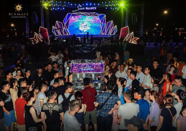Hạ Long chơi lớn với Sun Dance Festival, du khách có trầm trồ? - Ảnh 3.