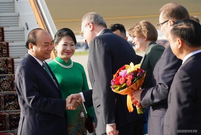 Hình ảnh Lễ đón chính thức Thủ tướng Nguyễn Xuân Phúc tại Thủ đô Moscow (Nga) - Ảnh 2.