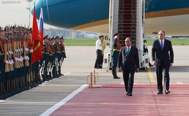 Hình ảnh Lễ đón chính thức Thủ tướng Nguyễn Xuân Phúc tại Thủ đô Moscow (Nga) - Ảnh 3.