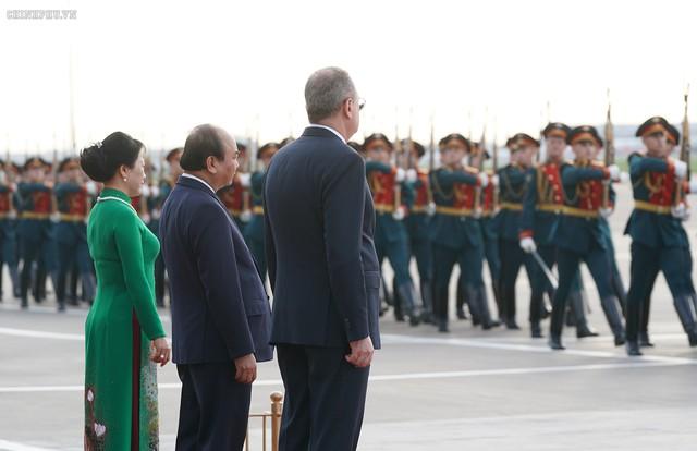 Hình ảnh Lễ đón chính thức Thủ tướng Nguyễn Xuân Phúc tại Thủ đô Moscow (Nga) - Ảnh 4.